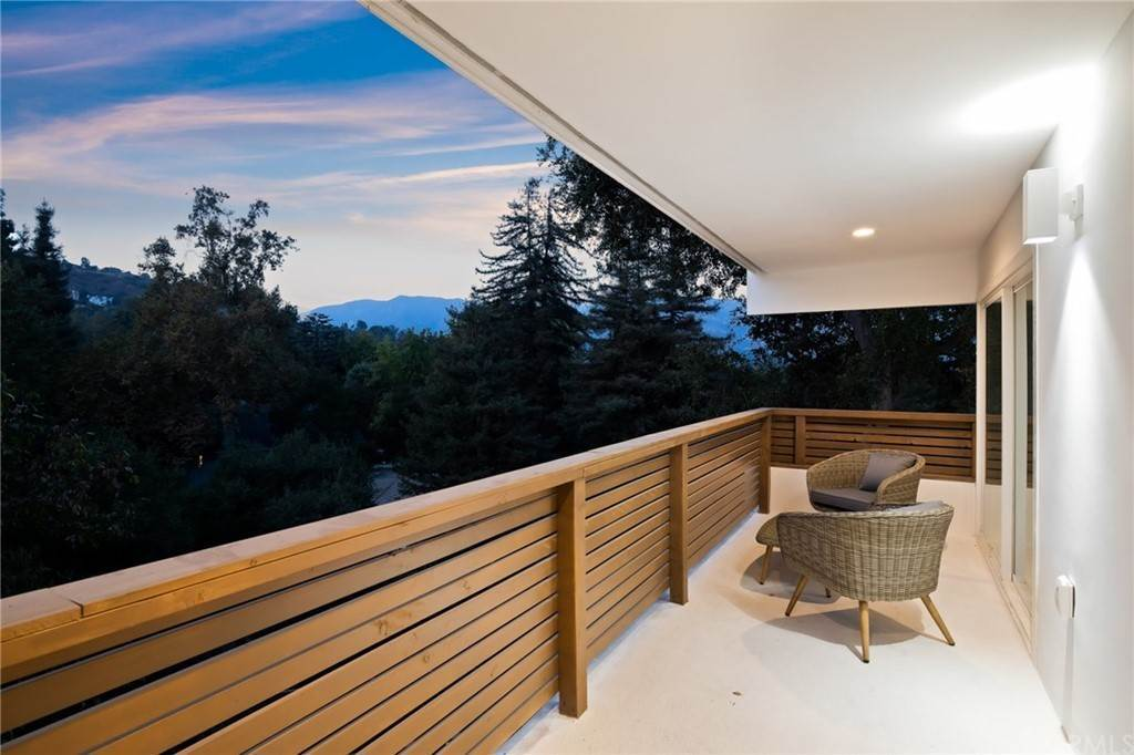 43. Residential for Sale at Wellington Avenue Pasadena, California 91103 United States