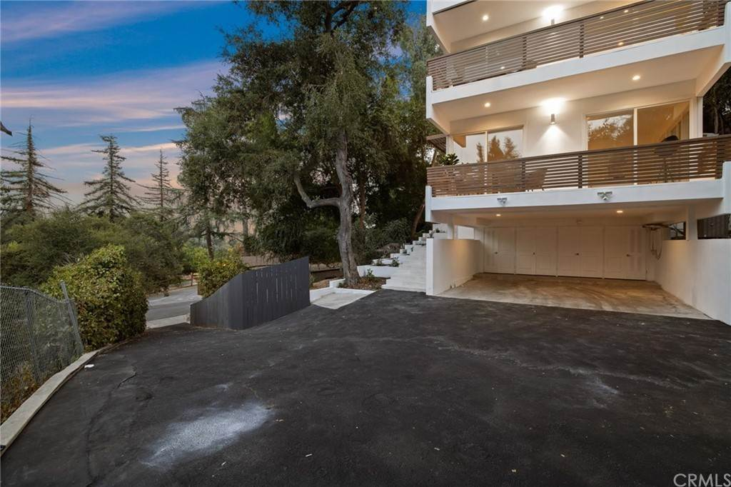 50. Residential for Sale at Wellington Avenue Pasadena, California 91103 United States