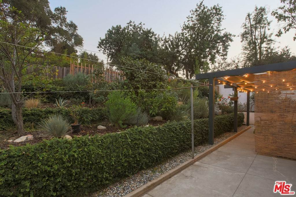 39. Residential for Sale at Tamarac Drive Pasadena, California 91105 United States