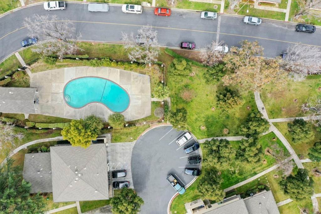 24. Residential for Sale at Hatfield Walkway San Jose, California 95124 United States
