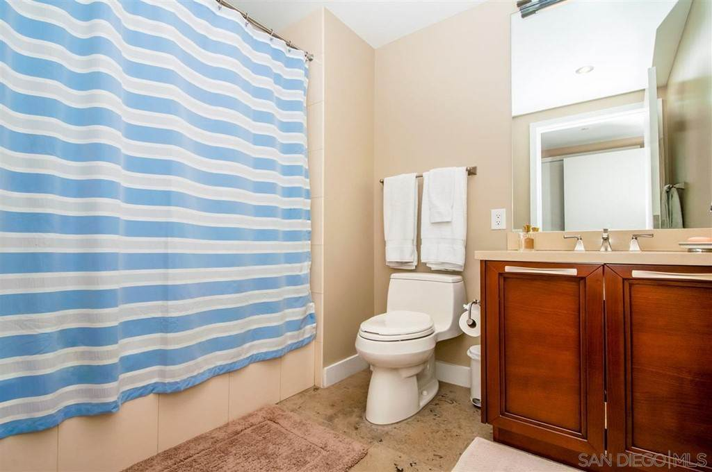 16. Residential for Sale at Pacific Hwy San Diego, California 92101 United States