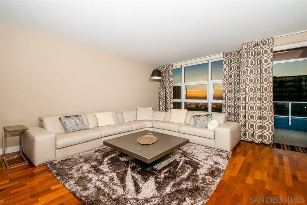 7. Residential for Sale at Pacific Hwy San Diego, California 92101 United States