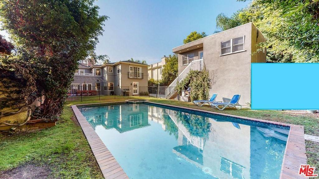 29. Residential Lease for Sale at N Mccadden Place Los Angeles, California 90004 United States