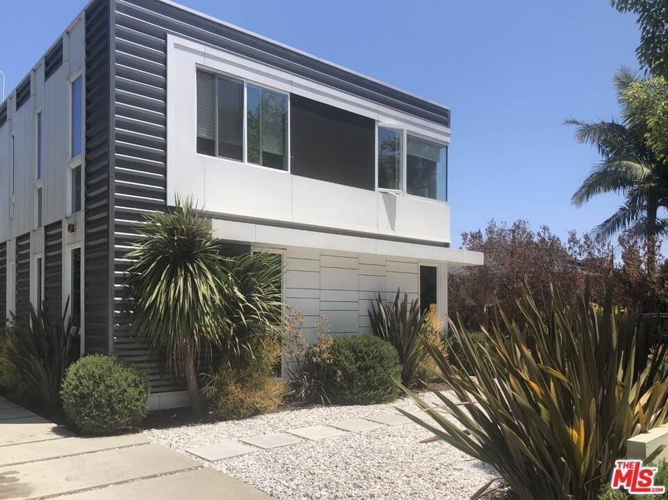 Residential for Sale at Coolidge Avenue Los Angeles, California 90066 United States