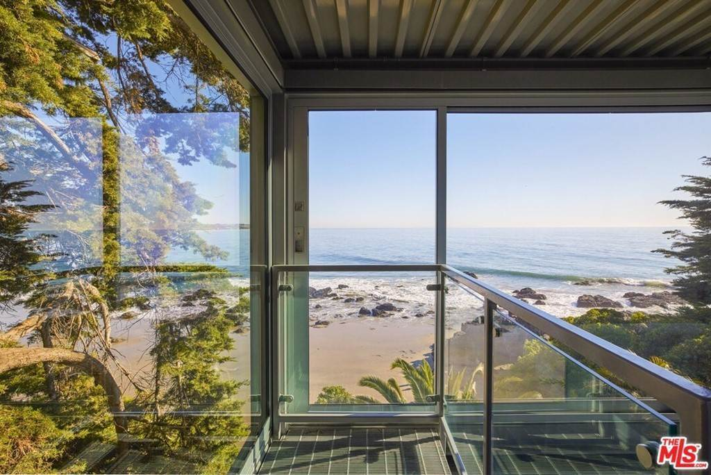 16. Residential for Sale at Point Lechuza Drive Malibu, California 90265 United States