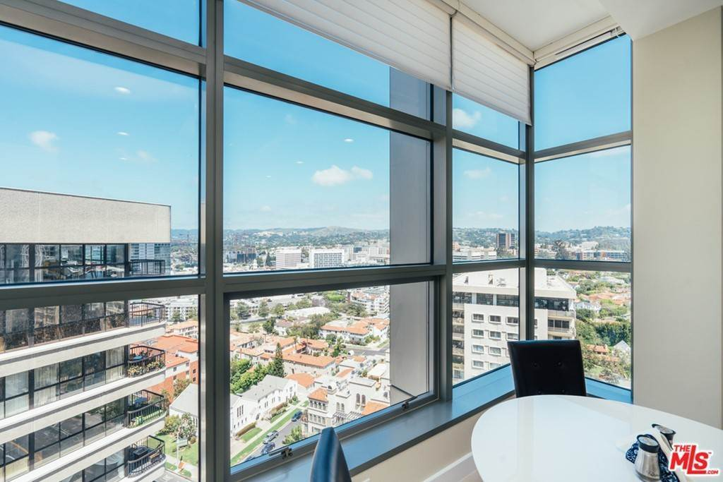 20. Residential for Sale at WILSHIRE Boulevard Los Angeles, California 90024 United States