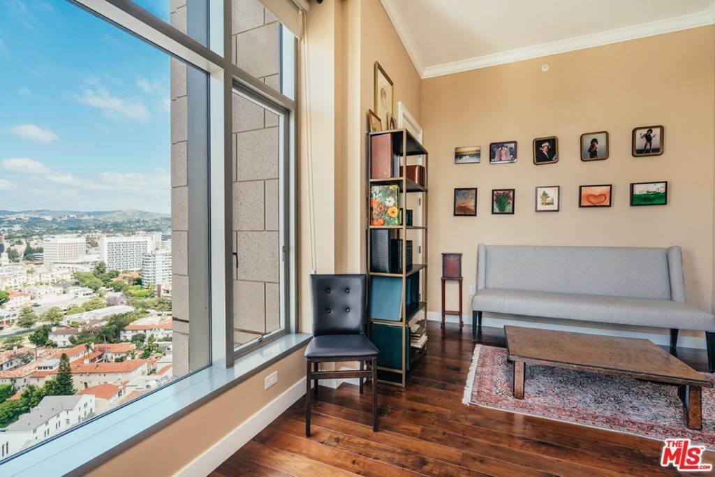 25. Residential for Sale at WILSHIRE Boulevard Los Angeles, California 90024 United States