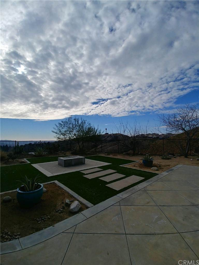 27. Residential for Sale at Singleton Canyon Road Calimesa, California 92320 United States