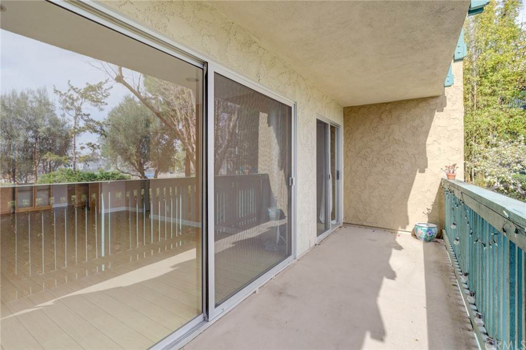 19. Residential for Sale at N Bellflower Boulevard Long Beach, California 90814 United States