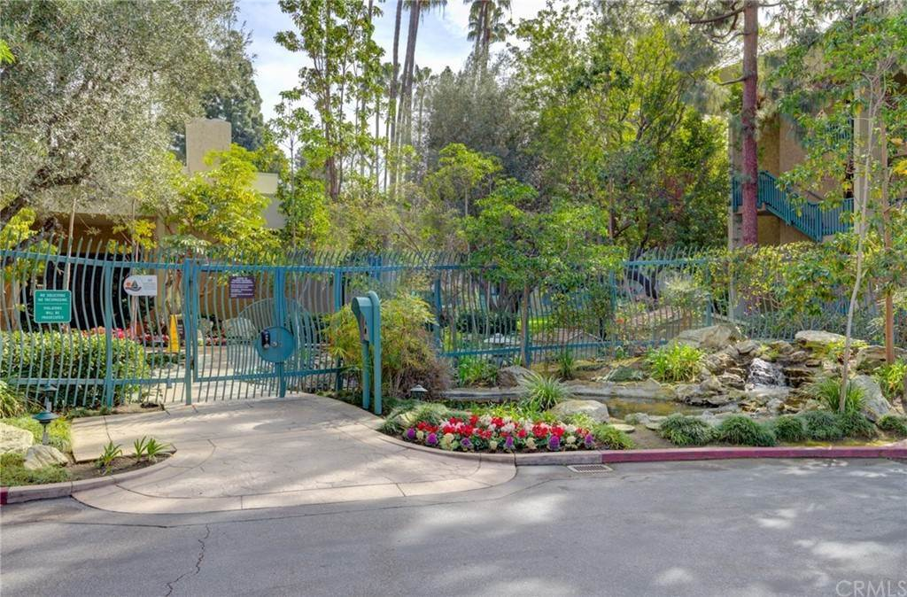 25. Residential for Sale at N Bellflower Boulevard Long Beach, California 90814 United States