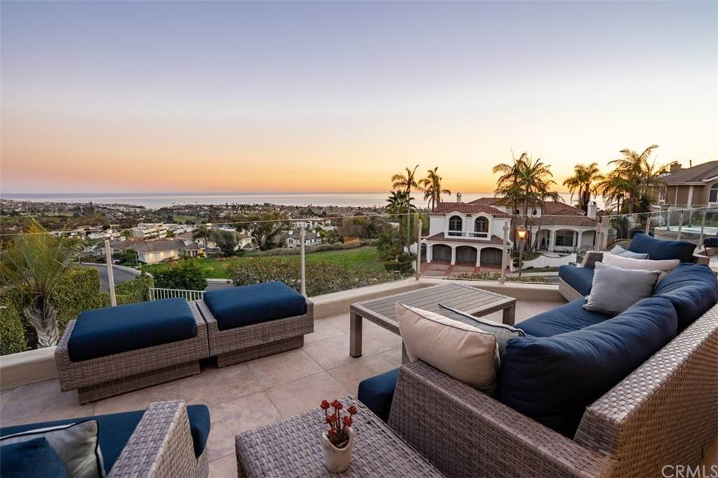 19. Residential for Sale at Via Cancha San Clemente, California 92673 United States