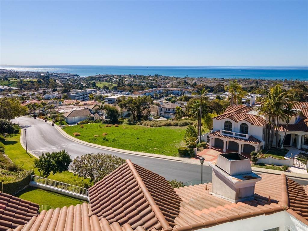 21. Residential for Sale at Via Cancha San Clemente, California 92673 United States
