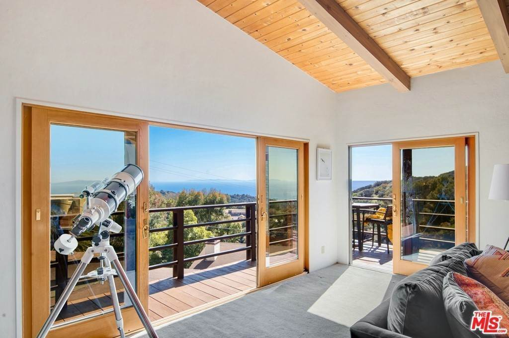 Residential for Sale at Saddle Peak Road Topanga, California 90290 United States