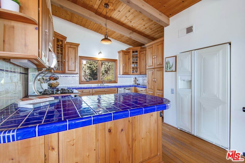 11. Residential for Sale at Saddle Peak Road Topanga, California 90290 United States