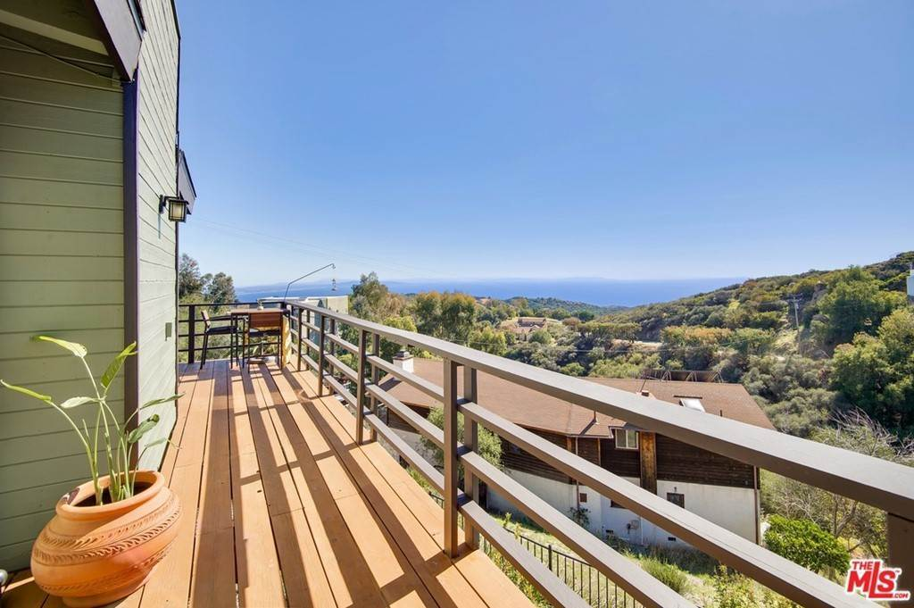 14. Residential for Sale at Saddle Peak Road Topanga, California 90290 United States
