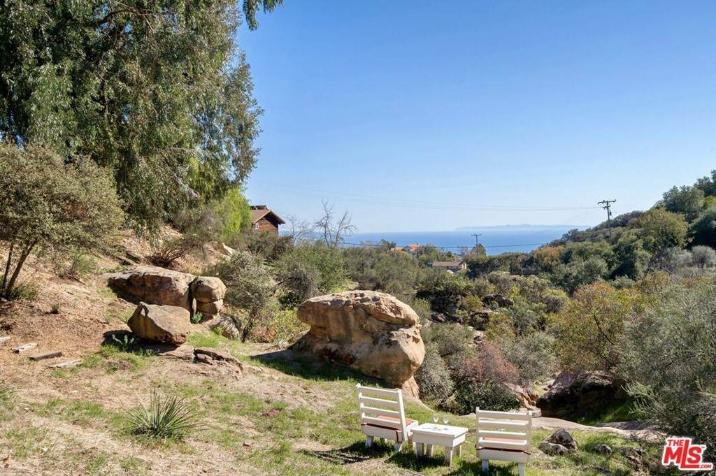 30. Residential for Sale at Saddle Peak Road Topanga, California 90290 United States