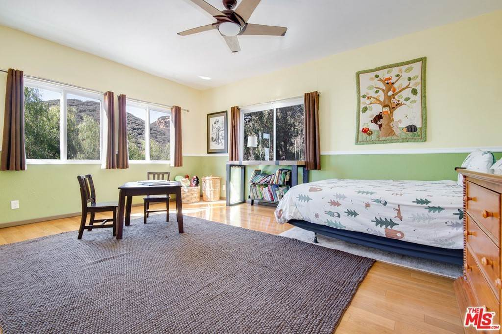 36. Residential for Sale at Saddle Peak Road Topanga, California 90290 United States