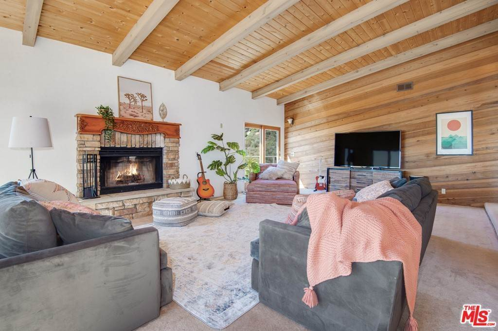 4. Residential for Sale at Saddle Peak Road Topanga, California 90290 United States