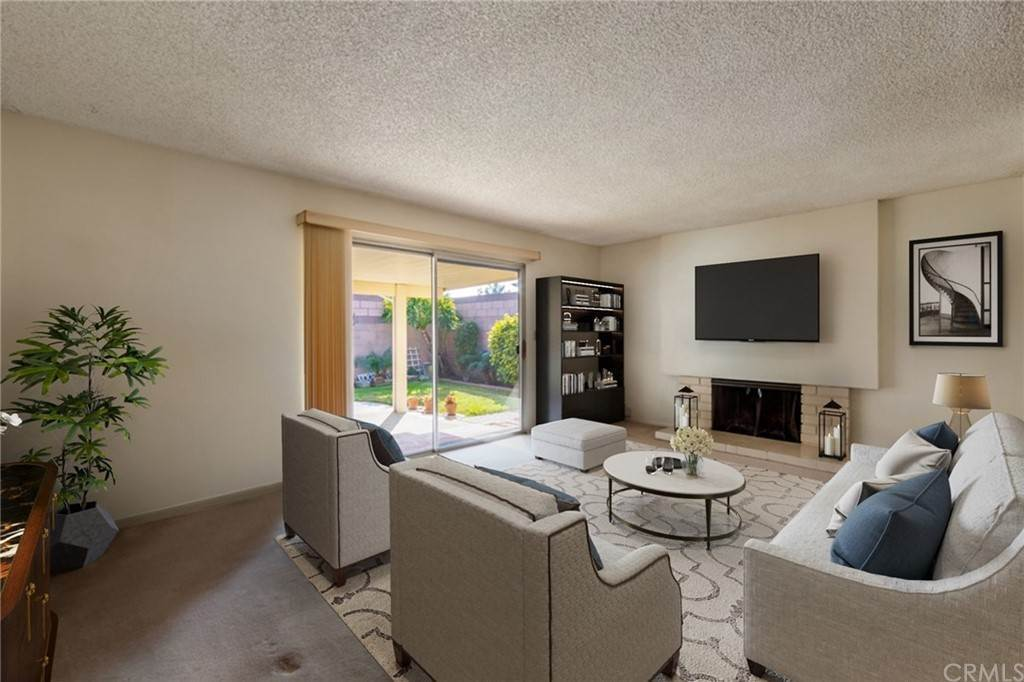 15. Residential for Sale at Cortez Drive Huntington Beach, California 92647 United States