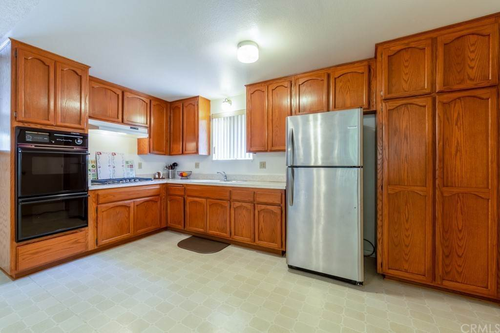 7. Residential for Sale at Cortez Drive Huntington Beach, California 92647 United States