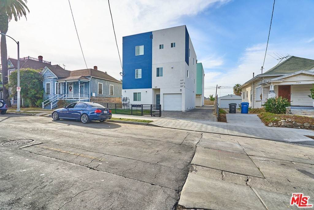 6. Residential Lease at S Harvard Boulevard Los Angeles, California 90006 United States