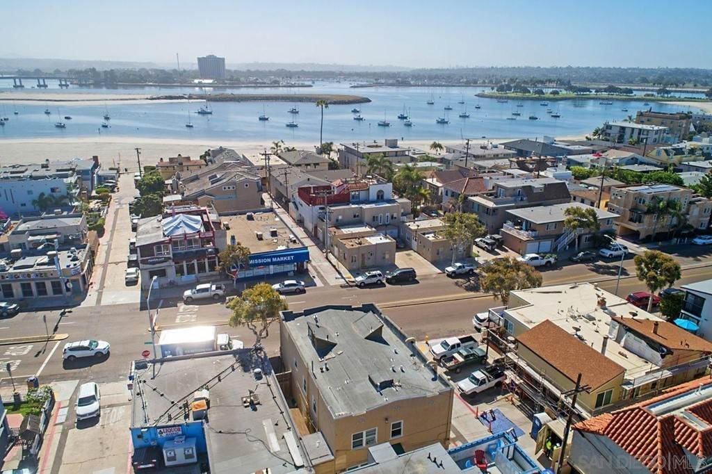 3. Commercial for Sale at Mission Blvd San Diego, California 92109 United States