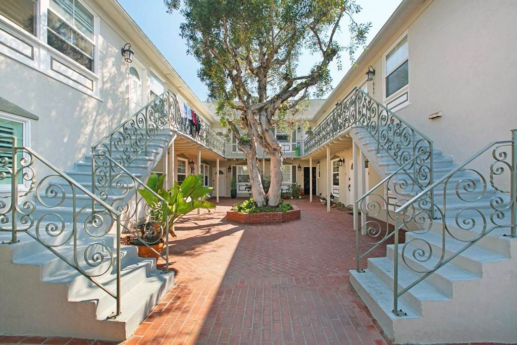 2. Residential for Sale at Bonair La Jolla, California 92037 United States