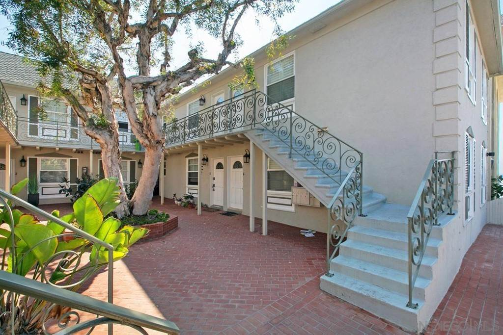 20. Residential for Sale at Bonair La Jolla, California 92037 United States