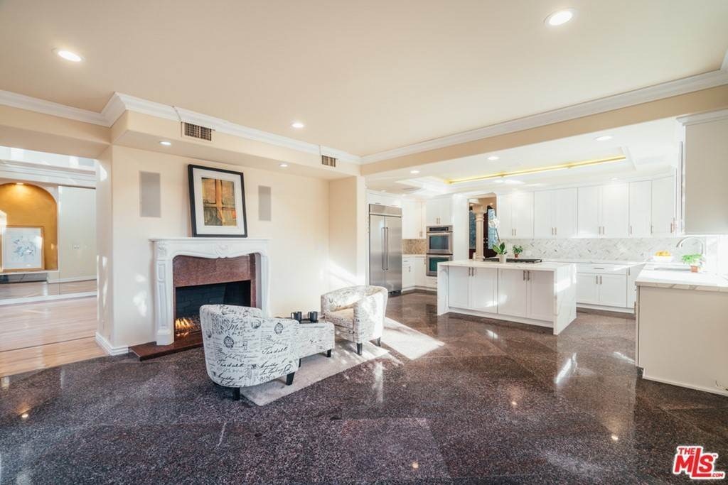 19. Residential for Sale at S Corning Avenue Los Angeles, California 90056 United States