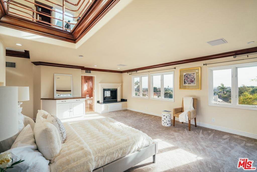29. Residential for Sale at S Corning Avenue Los Angeles, California 90056 United States