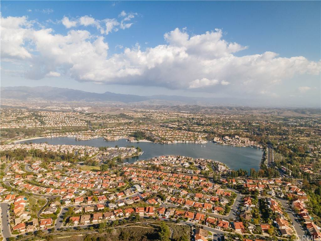 28. Residential for Sale at Via San Gabriel Mission Viejo, California 92691 United States