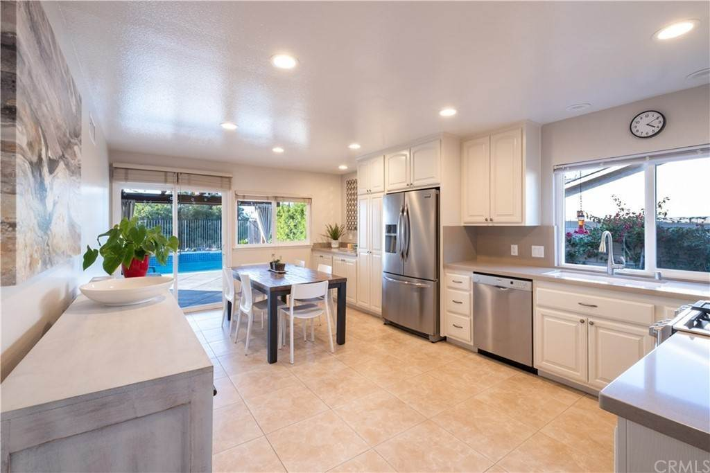 8. Residential for Sale at Via San Gabriel Mission Viejo, California 92691 United States