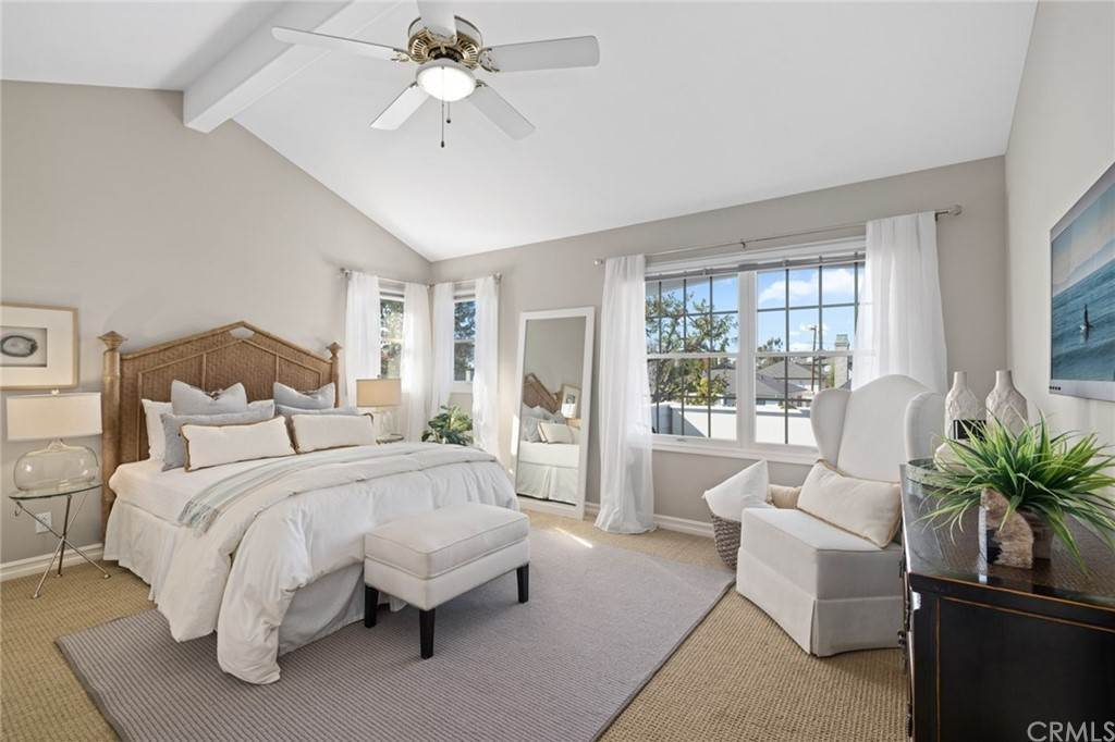 19. Residential for Sale at Aliso Avenue Newport Beach, California 92663 United States