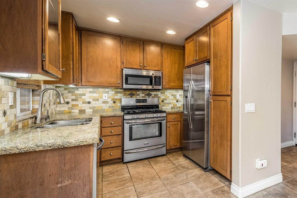 11. Residential for Sale at Pepper Glen Way Chula Vista, California 91914 United States