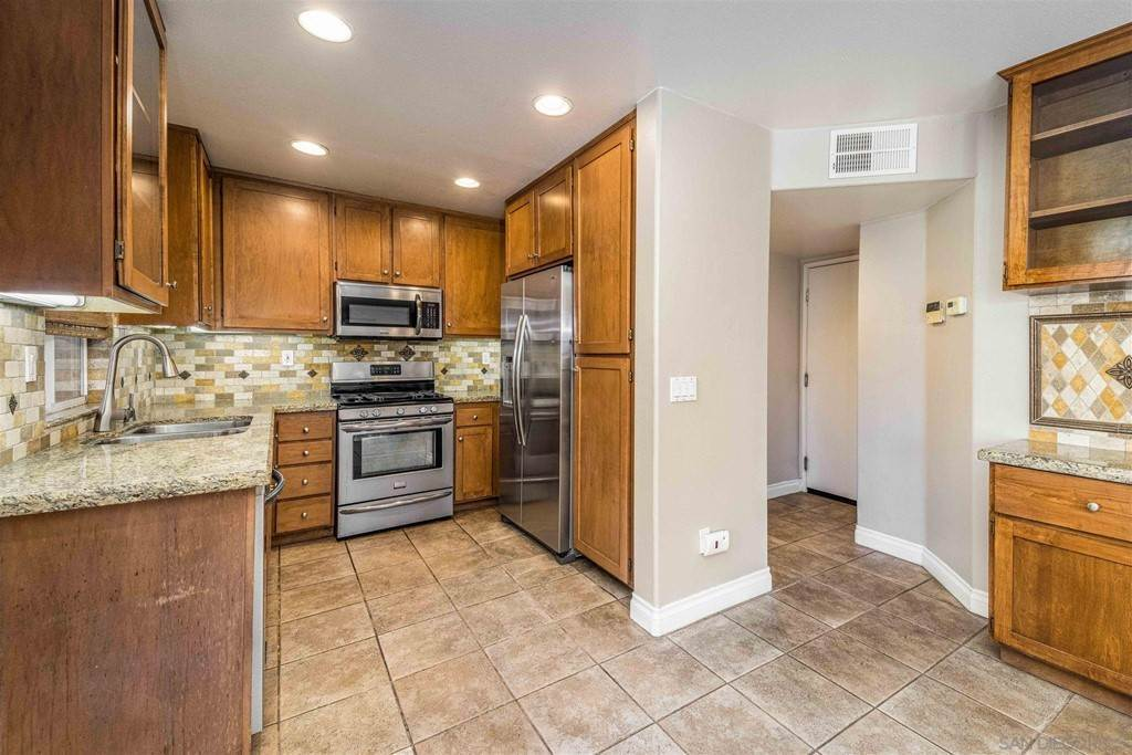 13. Residential for Sale at Pepper Glen Way Chula Vista, California 91914 United States