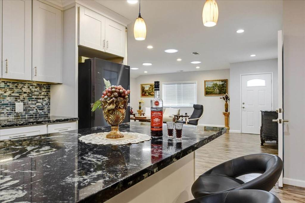 16. Residential for Sale at Harrison Street Santa Clara, California 95050 United States
