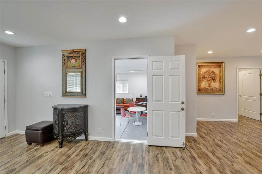 17. Residential for Sale at Harrison Street Santa Clara, California 95050 United States