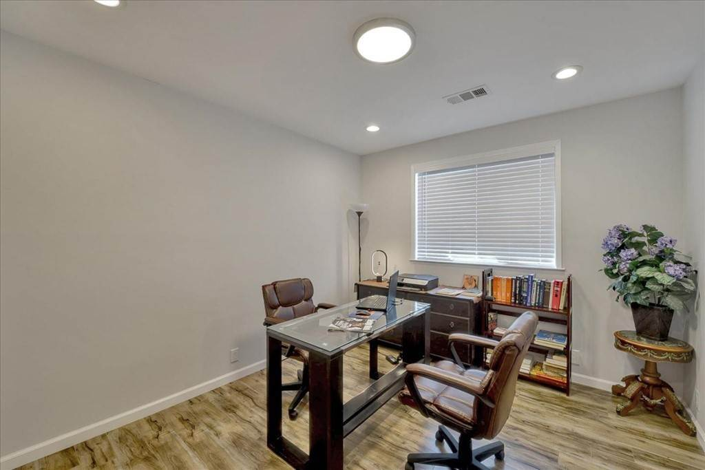 18. Residential for Sale at Harrison Street Santa Clara, California 95050 United States