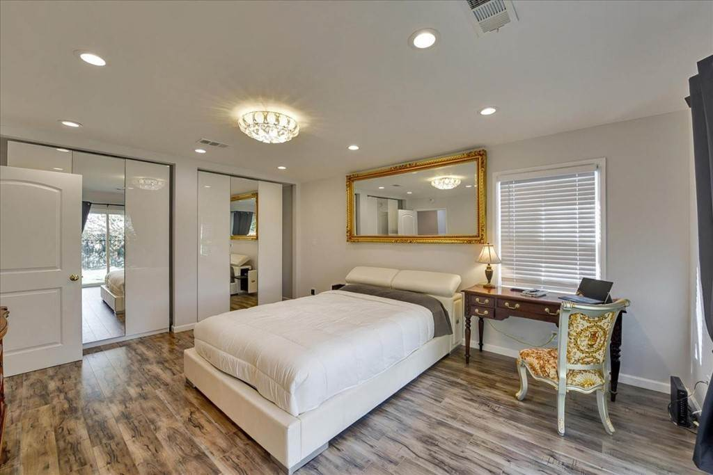 23. Residential for Sale at Harrison Street Santa Clara, California 95050 United States