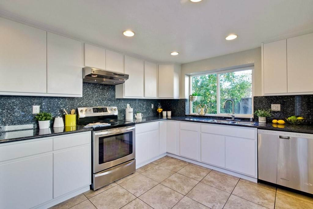 15. Residential for Sale at Wildflower Court Cupertino, California 95014 United States