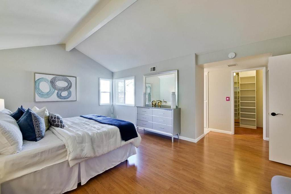 30. Residential for Sale at Wildflower Court Cupertino, California 95014 United States