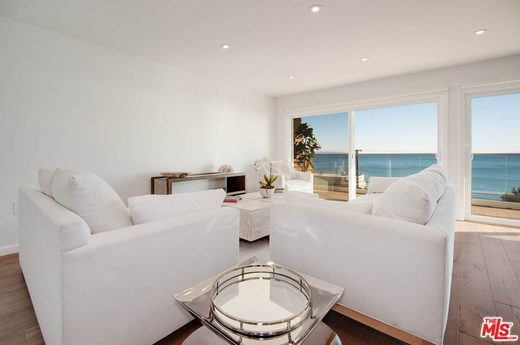 15. Residential Lease at PACIFIC COAST Highway Malibu, California 90265 United States