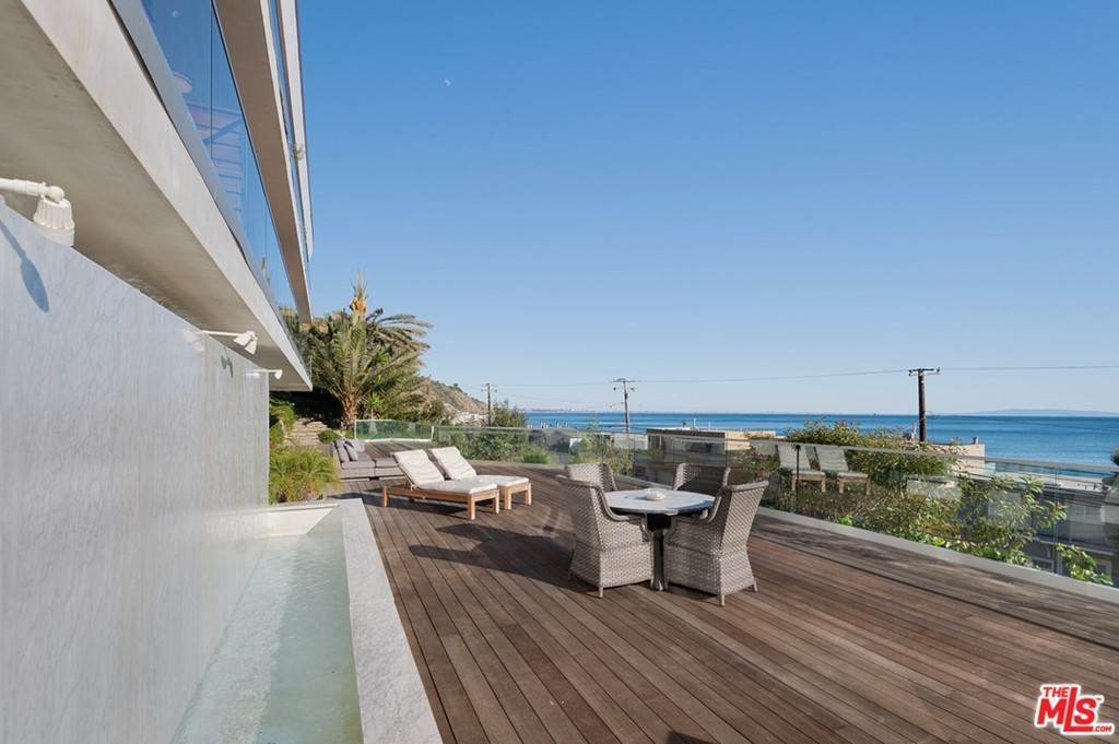 16. Residential Lease at PACIFIC COAST Highway Malibu, California 90265 United States