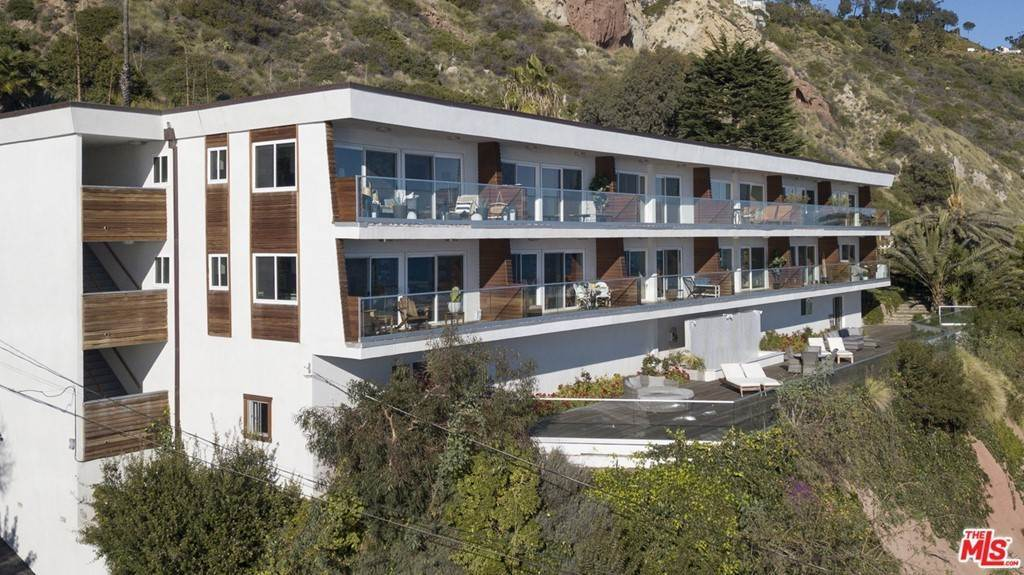 18. Residential Lease at PACIFIC COAST Highway Malibu, California 90265 United States