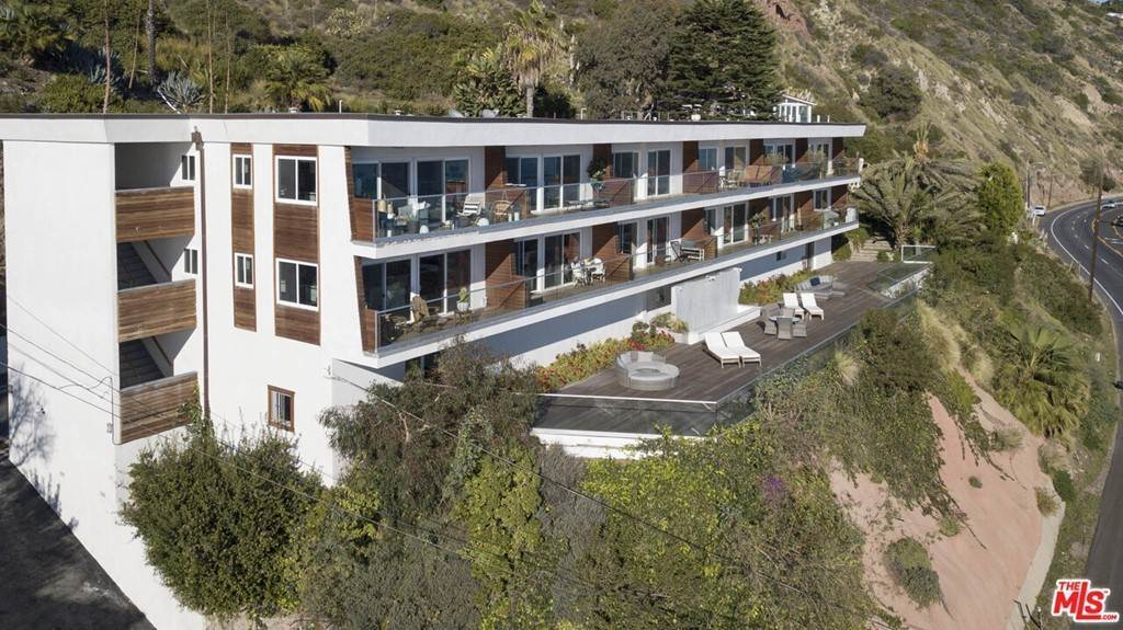 8. Residential Lease at PACIFIC COAST Highway Malibu, California 90265 United States