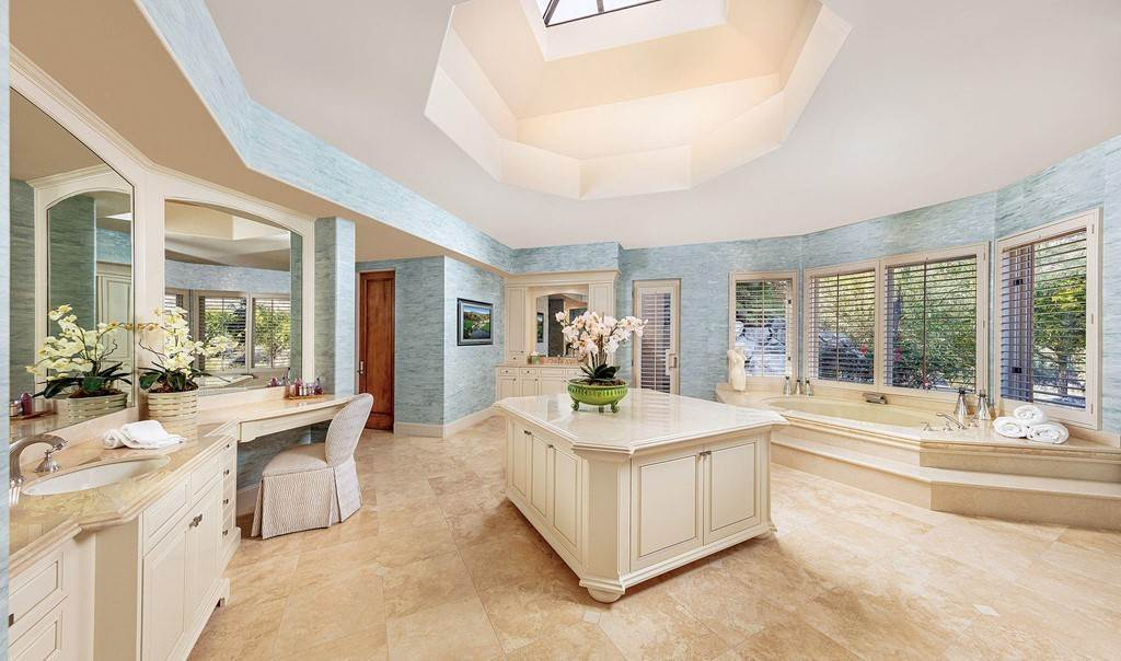 6. Residential for Sale at Wanish Place Palm Desert, California 92260 United States