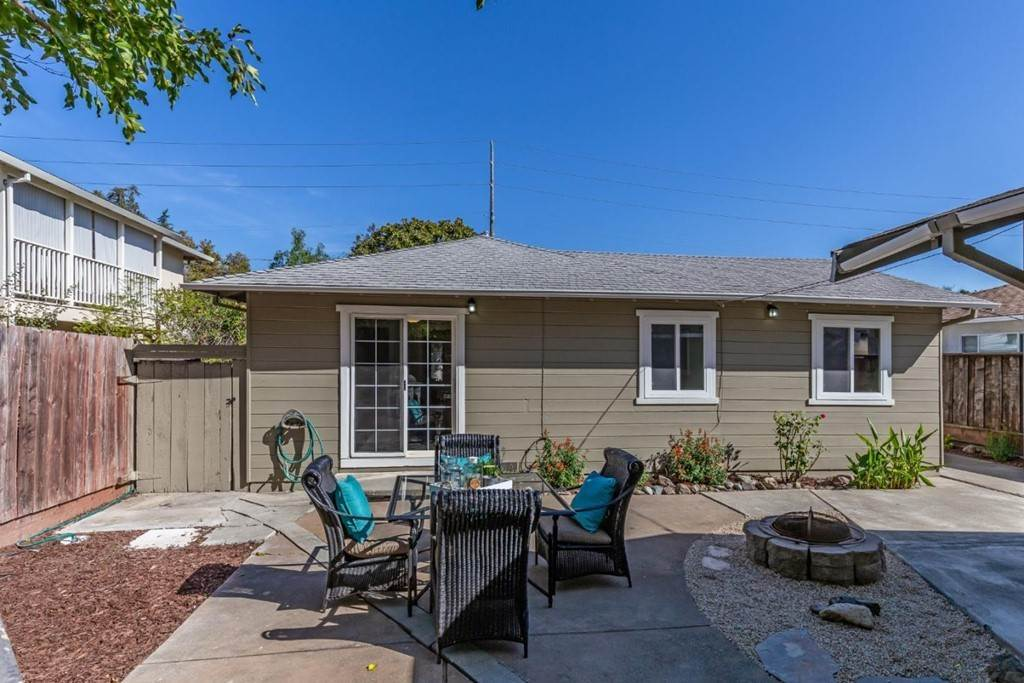 13. Residential for Sale at Saint Francis Street Redwood City, California 94061 United States