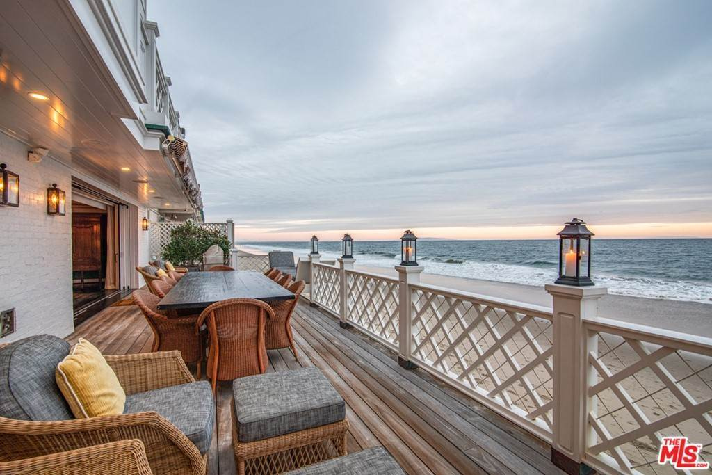 23. Residential for Sale at Pacific Coast Highway Malibu, California 90265 United States