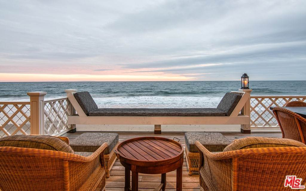 24. Residential for Sale at Pacific Coast Highway Malibu, California 90265 United States