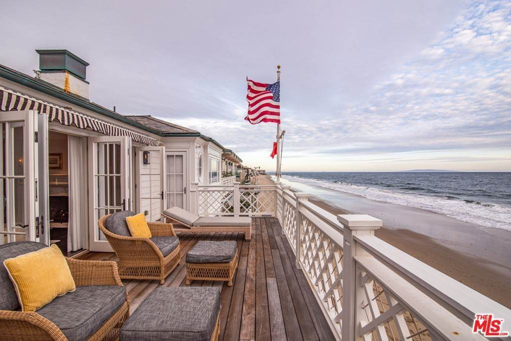 9. Residential for Sale at Pacific Coast Highway Malibu, California 90265 United States